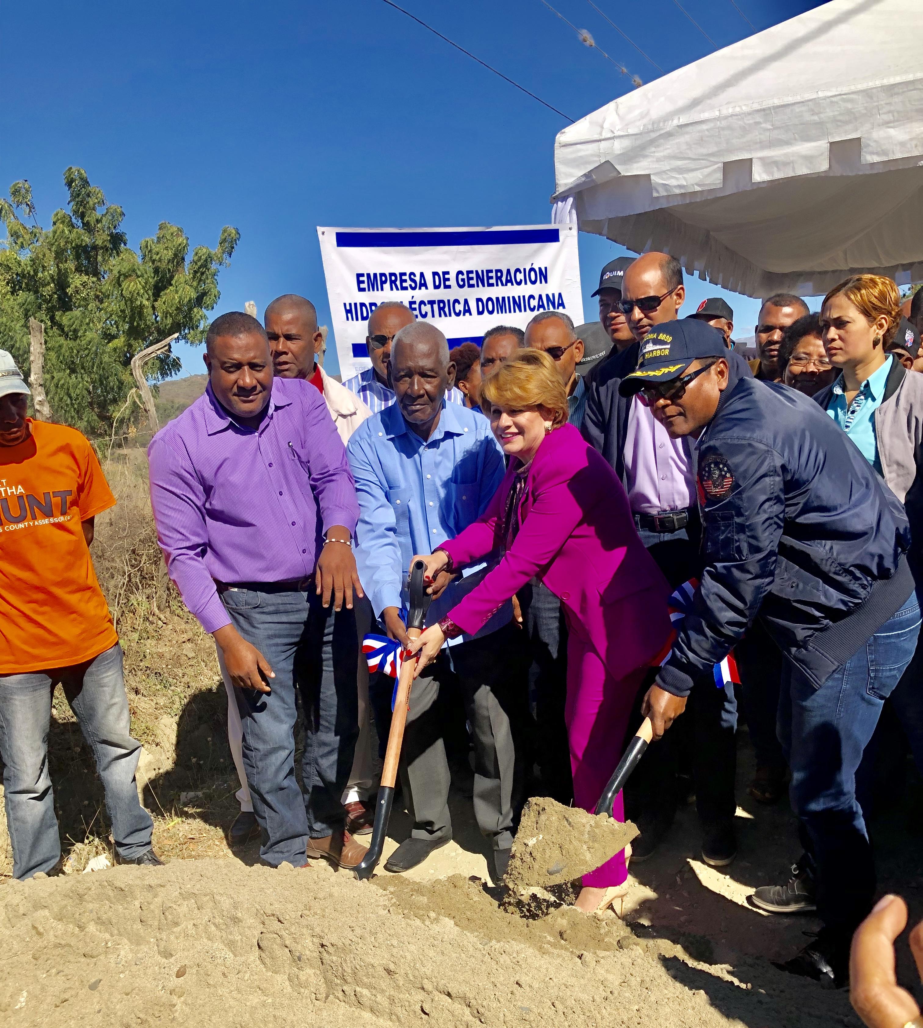 EGEHID inicia construcción  conjunto de obras para beneficiar comunidades empobrecidas de San Juan
