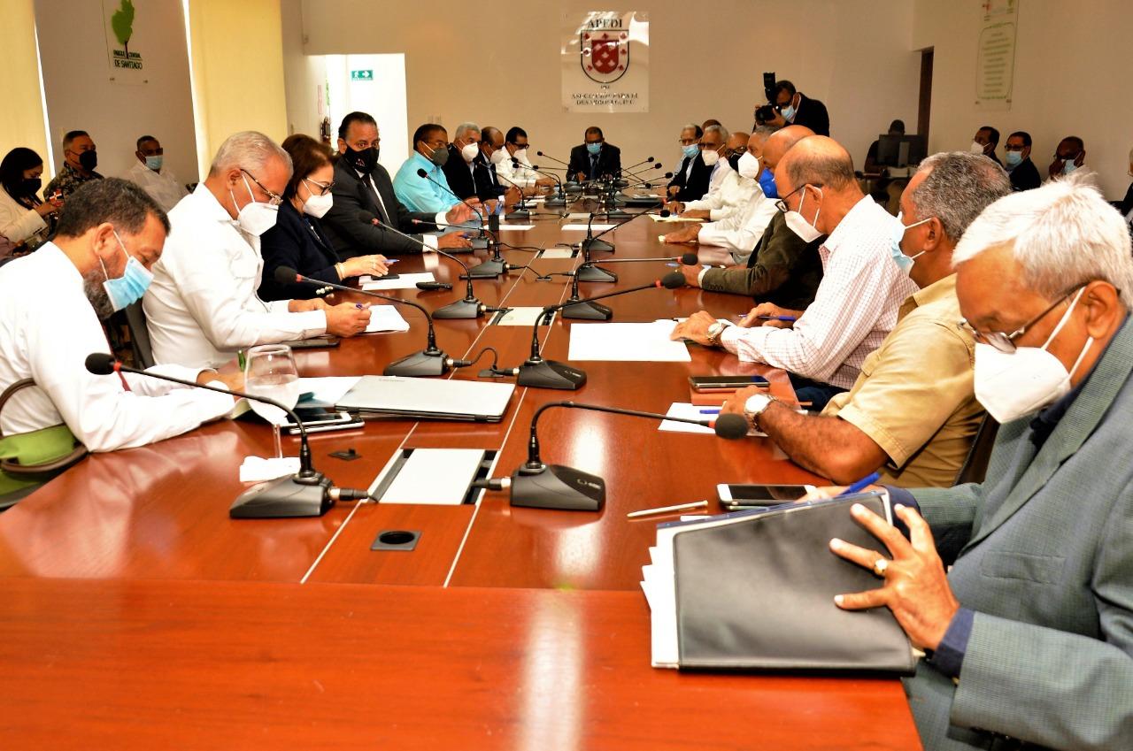 Administrador de EGEHID participa en reunión Comisión Presidencial para Manejo Cuenca Río Yaque del Norte