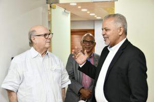 Administrador de EGEHID recibe visita del expresidente Hipólito Mejía
