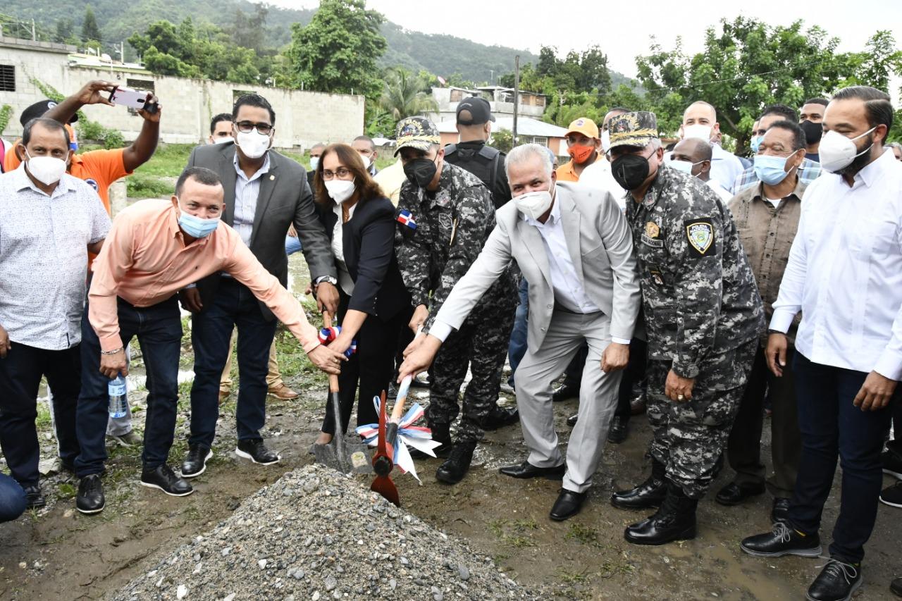 EGEHID inicia construcción del destacamento policial municipio de Cambita