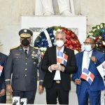 EGEHID honra a los fundadores de la República con ofrenda floral en Altar de la Patria