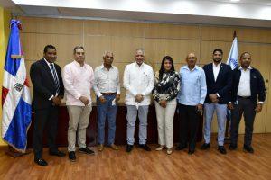 Administrador de EGEHID recibe al Consejo de Apoyo a Jarabacoa
