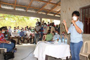 EGEHID escucha demandas de los moradores de la comunidad de Mucha Agua