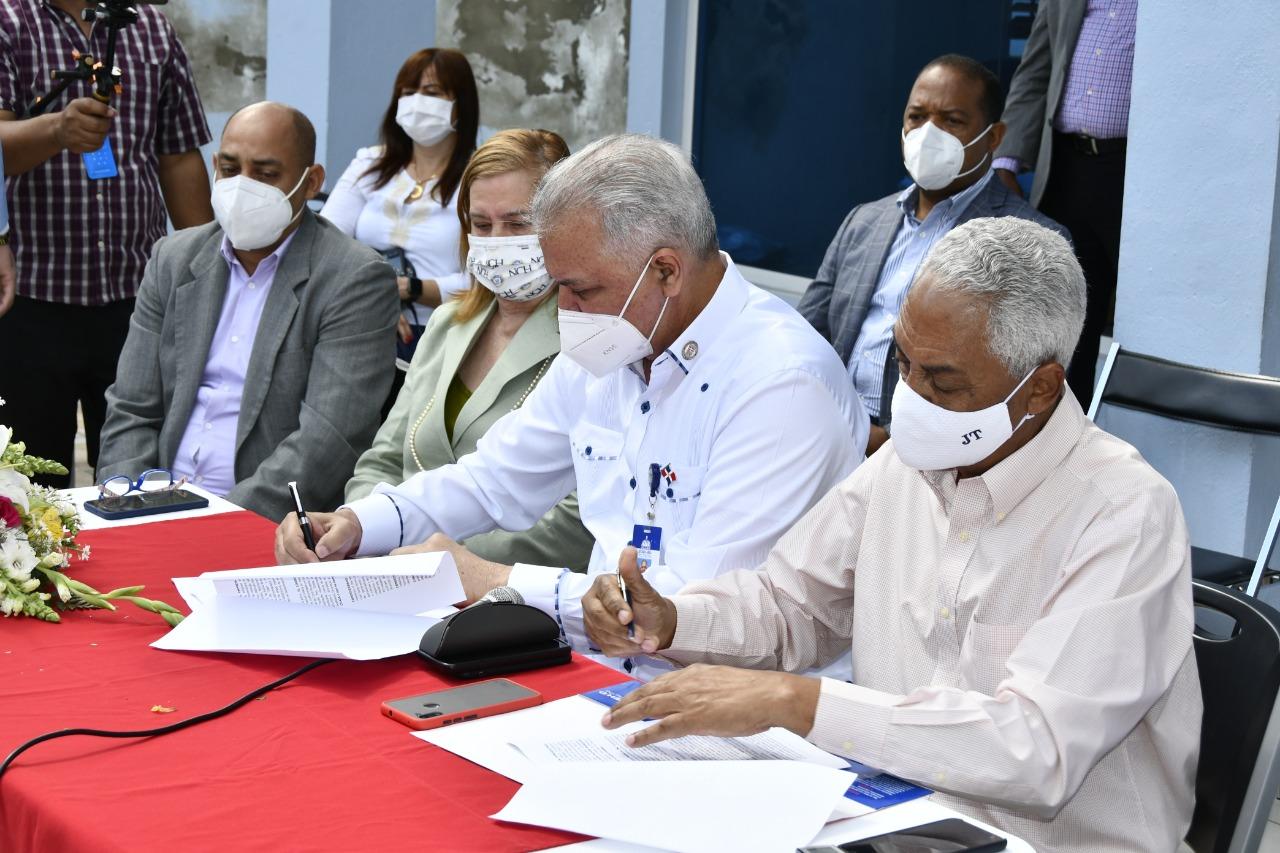 EGEHID firma acuerdo por la preservación del medioambiente en Jarabacoa