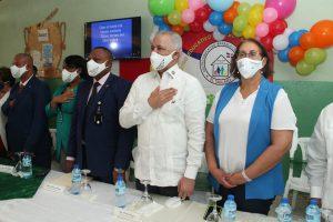 Ingenieros y colaboradores de EGEHID remozan 136 escuelas en Ocoa y Cambita